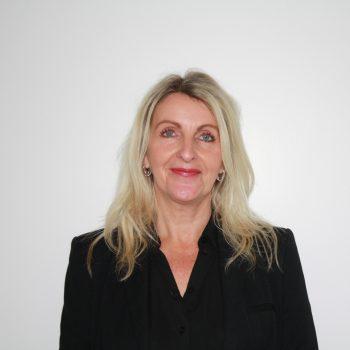 Mrs Andrea Evans